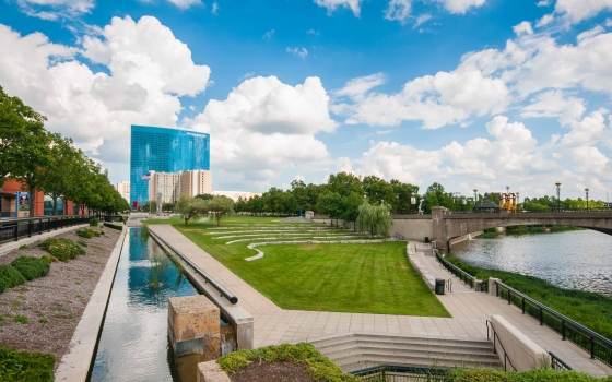 White River State Park: Downtown Indy boasts 275 acres of public parks/spaces